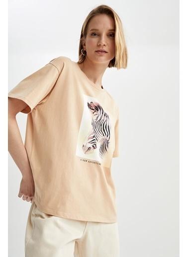 DeFacto Regular Fit Zebra Baskılı Kısa Kollu T-shirt Bej